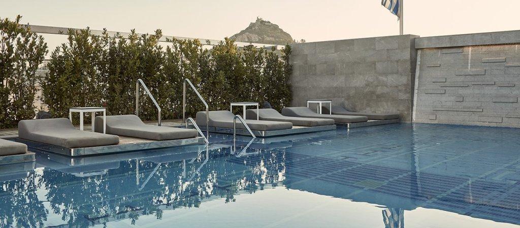 Electra Metropolis pool_outdoors-1300x570-min