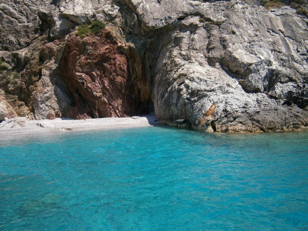Paximadia Isles Crete Cretan beaches-min