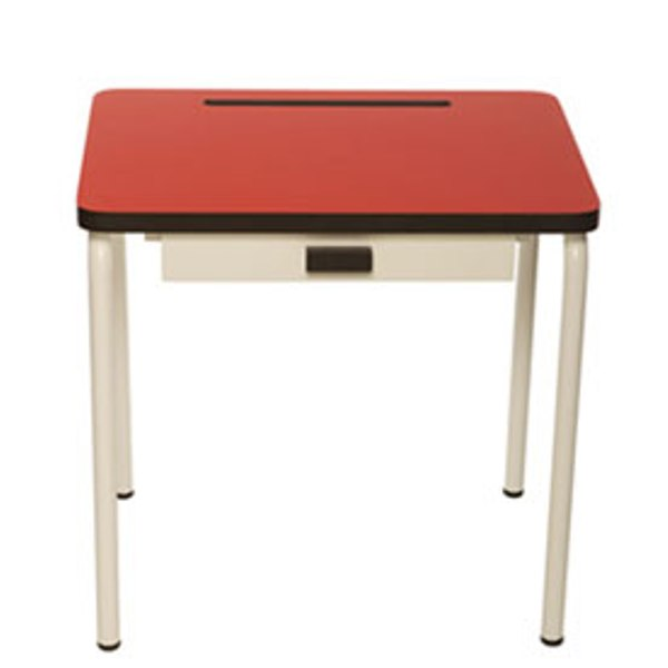 Retro School Desks And Chairs For Kids Study Space