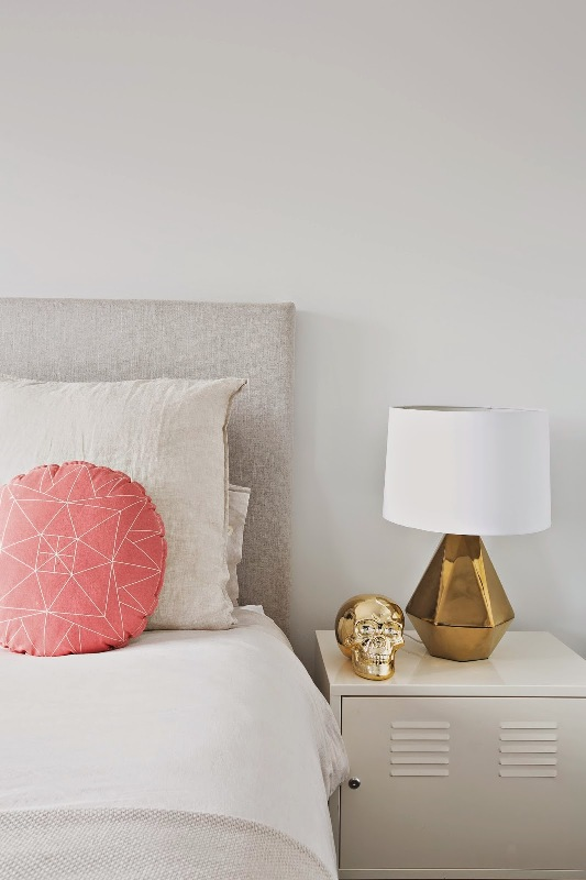 White Bedroom Design With Peach And Gold Accents For Girls