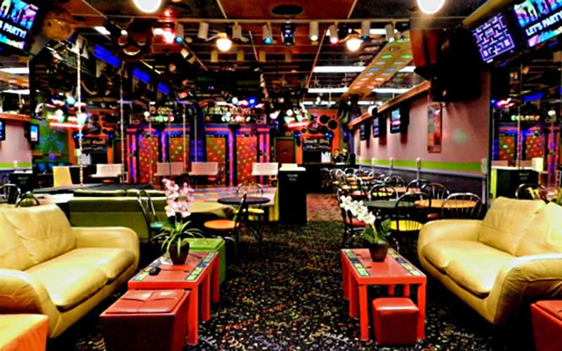 Teen Parties in PA at Colors Birthday Party Center