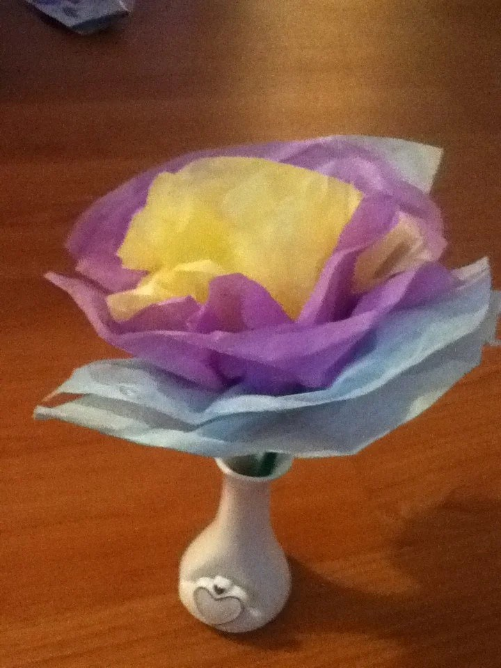 How to make a tissue paper flower arts crafts projects for kids craft 2 this is a cute tissue paper flower mightylinksfo