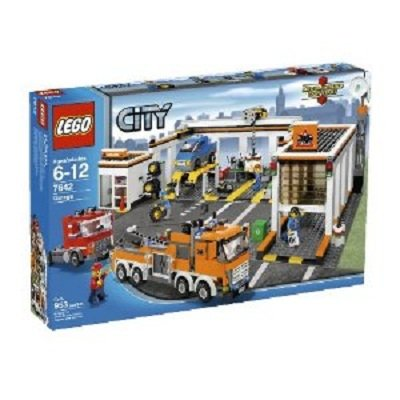 LEGO Play Set Garage - Offers lots of play opportunity for kids
