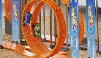Gravity Defying Hot Wheels Slot Car Set