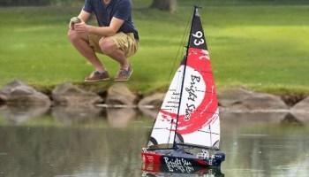 RC-Motorized-Sailboat