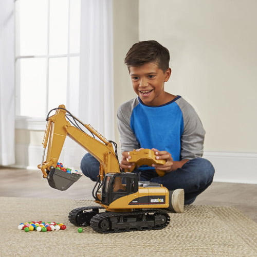RC Working Excavator1