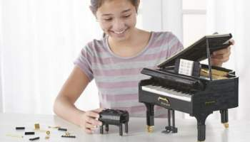 Playable-Miniature-Grand-Piano