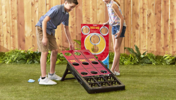 Indoor-Outdoor-Bag-Toss-Game