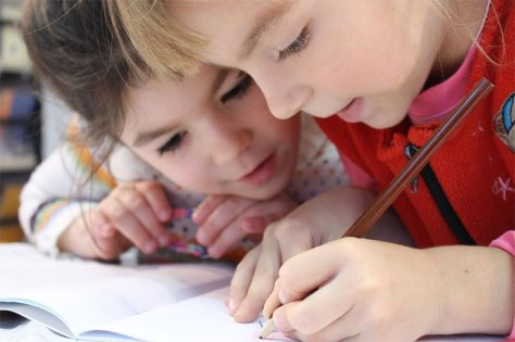 5 Tried and Tested Methods to Teach Your Toddler to Write
