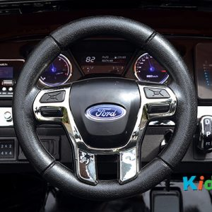 36 KA424 - 2017 Black Ford - Dashboard