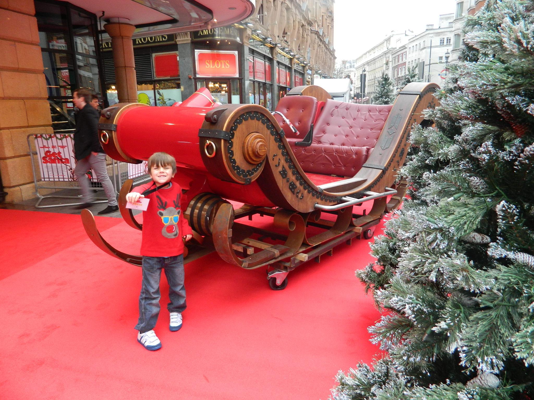 Get Santa Con At The World Premiere