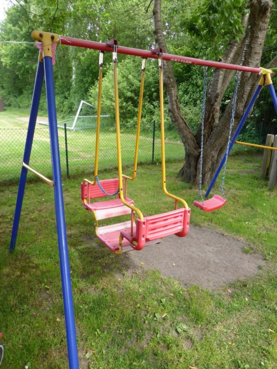 Schaukeln-Kid-Zone-Kinderbetreuung-2