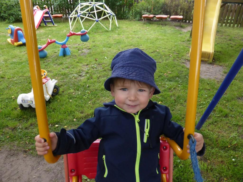 Schaukeln-Kid-Zone-Kinderbetreuung-3