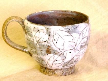 葉模様マグカップ