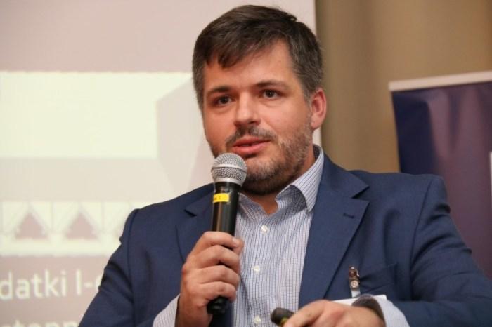 Pawel Kawalec, Presenting