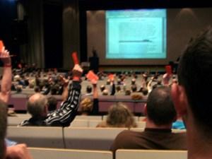 Abstimmung auf einer Jahreshauptversammlung per Akklamation