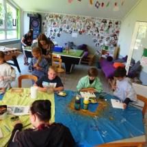 Basteln mit Muscheln im KiJu Neheim - Sommerferien 2017 (9)