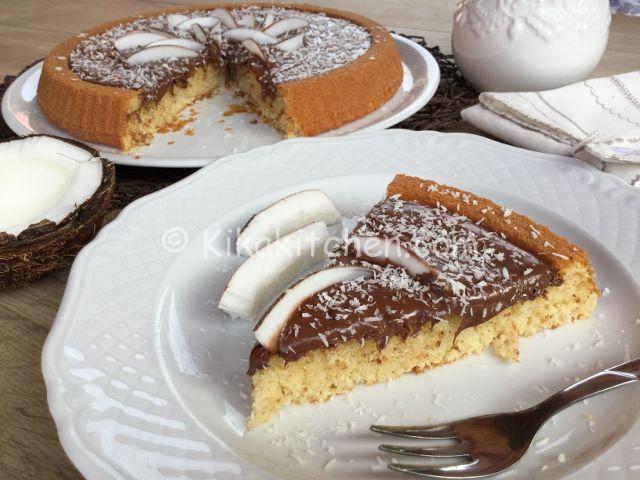 Crostata morbida cocco e nutella con base soffice al cocco