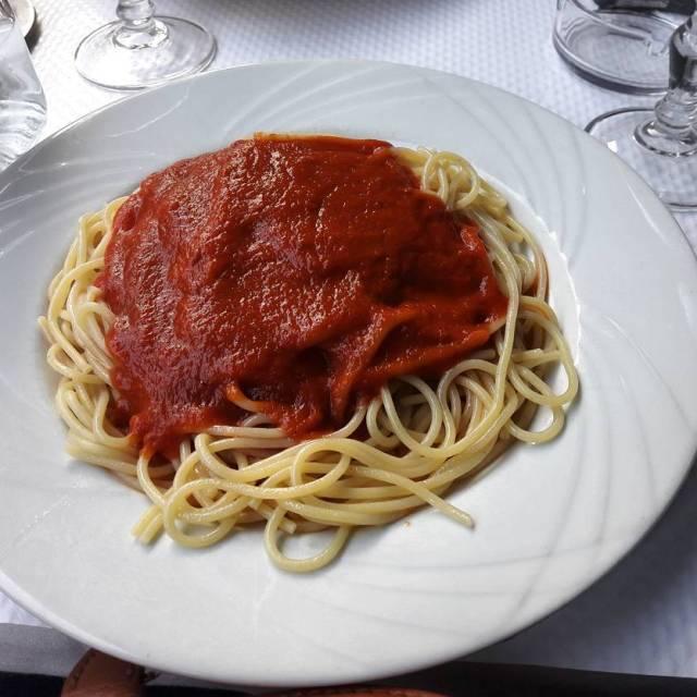 De temps en temps des pastas  la sauce tomatehellip
