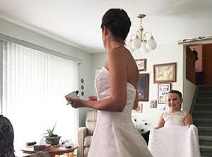 花嫁とフラワーガール