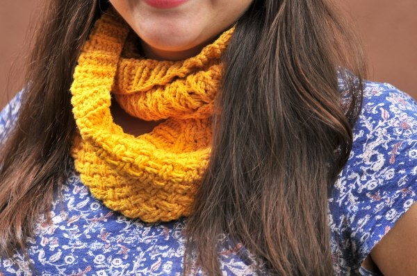 DIY Crochet Celtic Weave Infinity Scarf