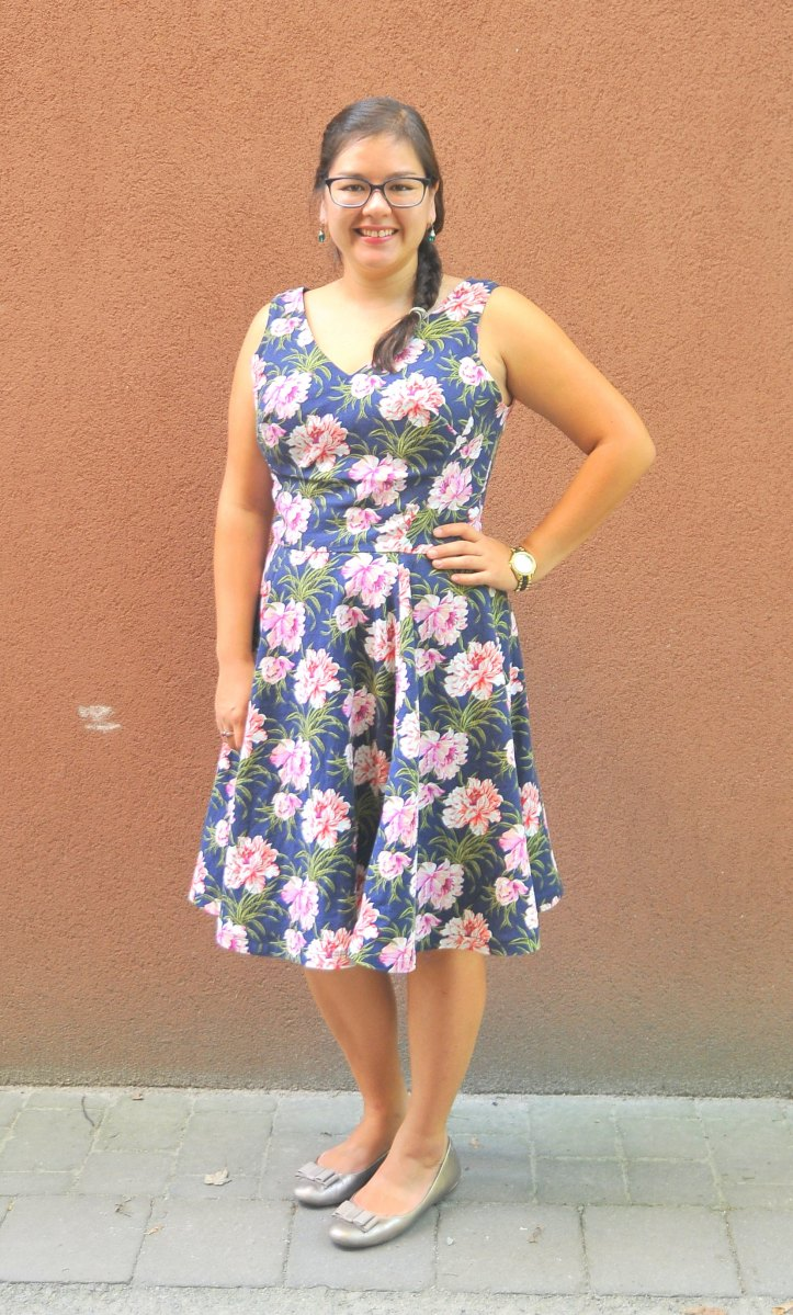 DIY: McCall's M7503 Princess Seamed Dress by Nicole Miller
