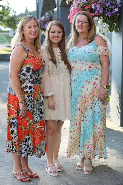 Mary O'Shea (left) Molly O'Mahony and Geraldine O'Mahony at the premiere