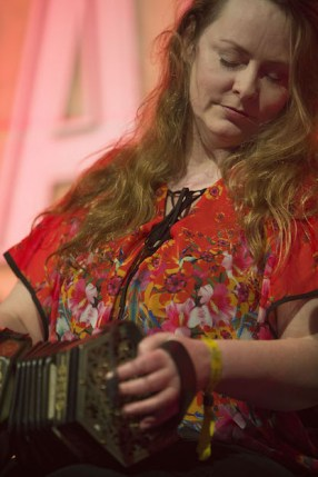 Renowned concertina and fiddle player, Niamh Ní Charra, from Killarney, silenced the audience with her rendition of Caoineadh Eoghan Rua