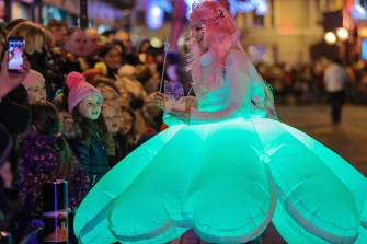 Magic dust: Kelly-Anne McSweeney entertaining children at the second Christmas in Killarney Magic Parade