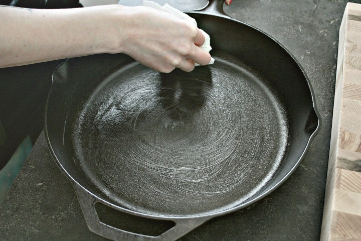 Cleaning Cast Iron 5