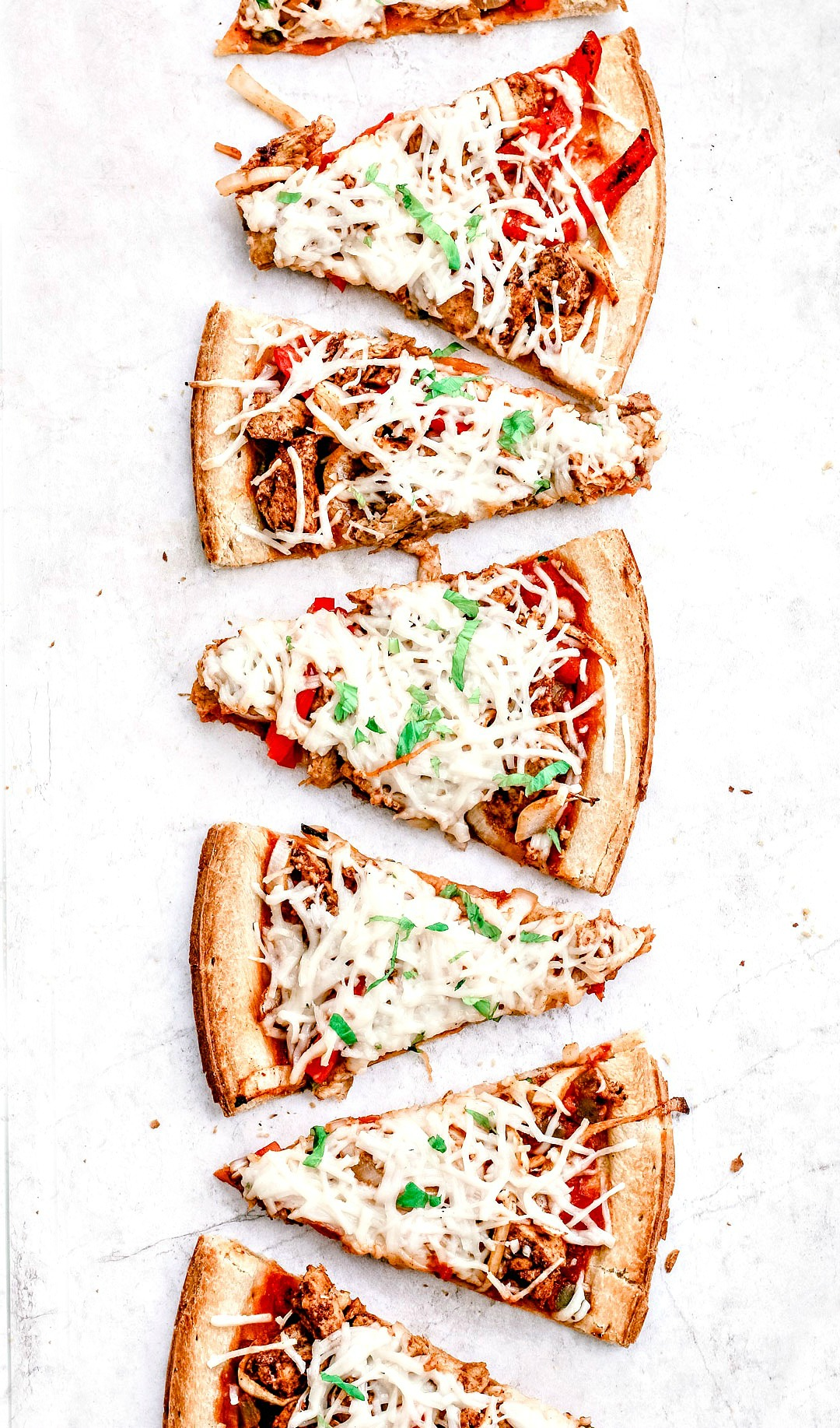"Vegan ""Chicken"" Fajita Pizza | Killing Thyme"