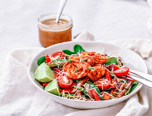 Shrimp Fajita Salad With Chipotle Vinaigrette | Killing Thyme