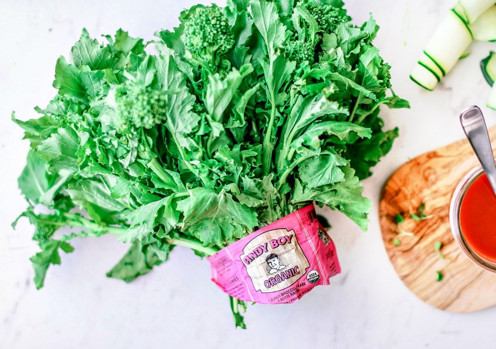 Vegan Buffalo Jackfruit and Broccoli Rabe Flatbread | Killing Thyme