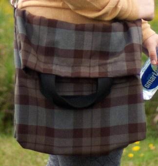 Medium Weight Premium Wool Messenger-Style Tartan Tote Bag