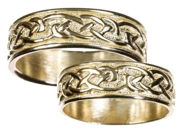 Mens 10K Gold Celtic Wedding Band