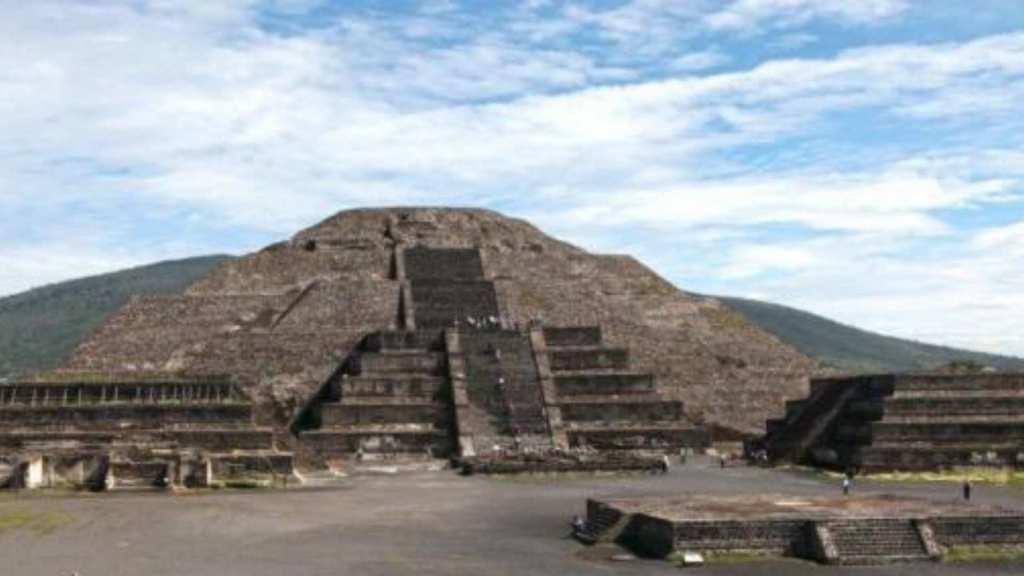 Teotihuacán Moon pyramid