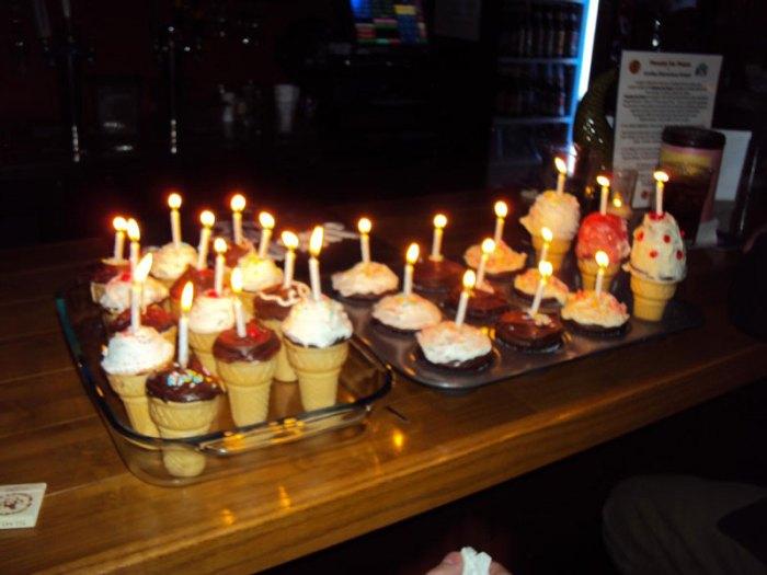 birthday cupcakes - cupcakes in ice cream cones