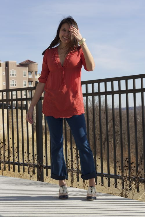 kimberlyloc coral tunic and rolled up blue jeans
