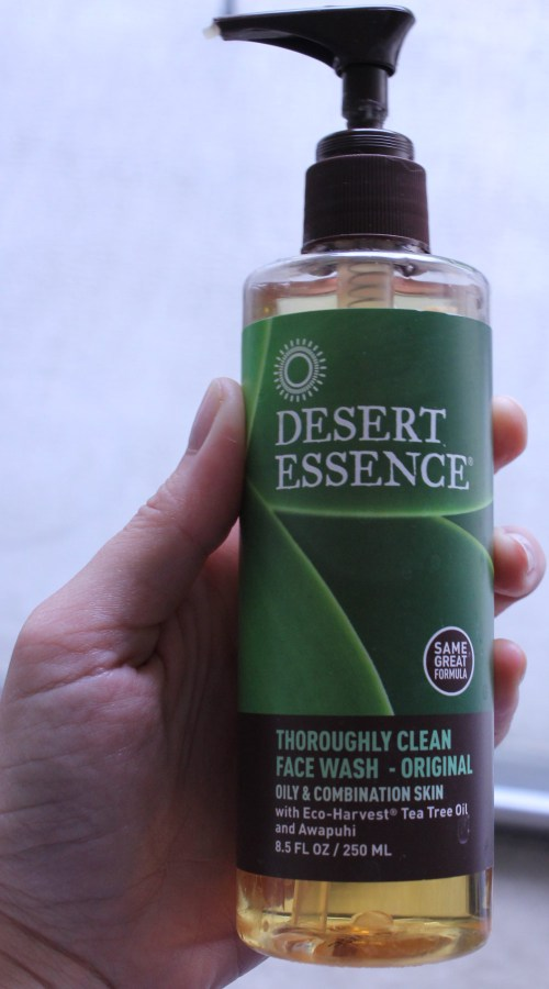 desert essence thoroughly clean face wash