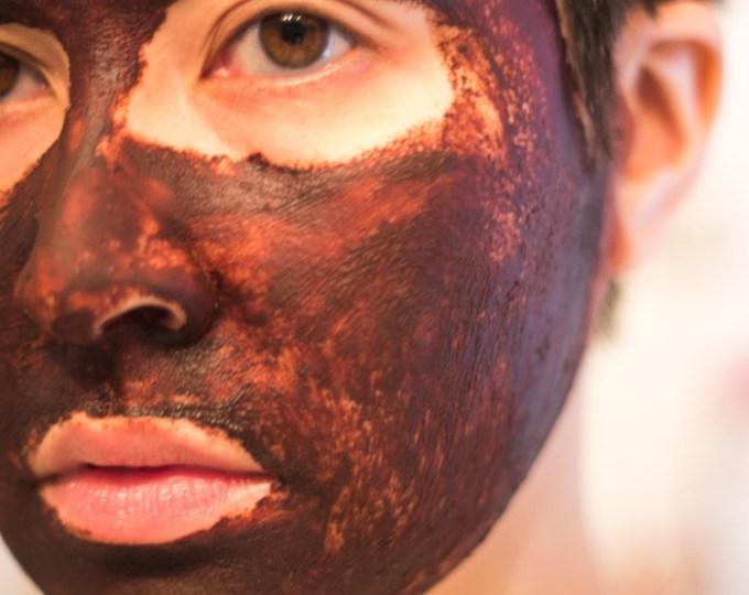 kimberlyloc uses josh rosebrook cacao antioxidant mask