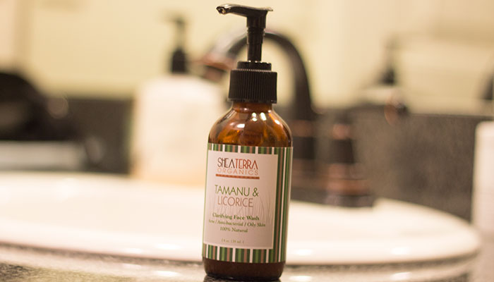 shea terra organics tamanu & licorice clarifying face wash