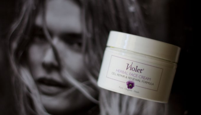 violet herbal face cream