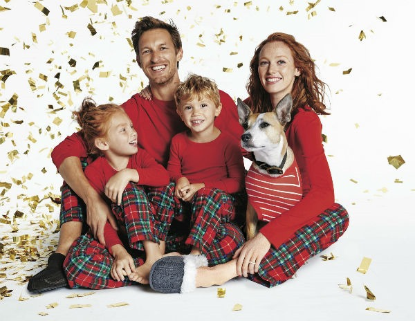 targetmatchingholidaypajamas_1 - Target Christmas Pjs