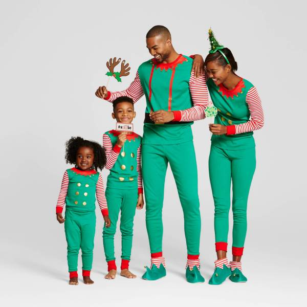 elf_family_matching_pajamas