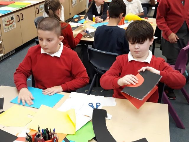 Class 4 enjoyed working with Mrs Bailey from Winterhill School to make pop up cards.