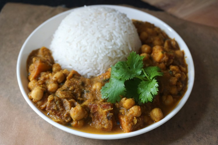 Paneer Chana Masala {Vegetarian Indian Chickpea Curry}