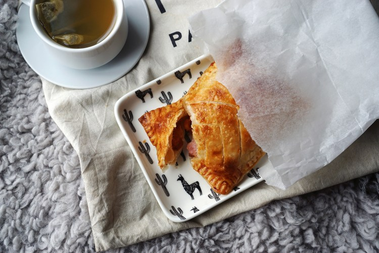 RECIPE: homemade gluten free Greggs sausage and bean melt made using Jus-Rol gluten free puff pastry and Heinz baked beans   gluten free baking   gluten free recipes   Kimi Eats Gluten Free