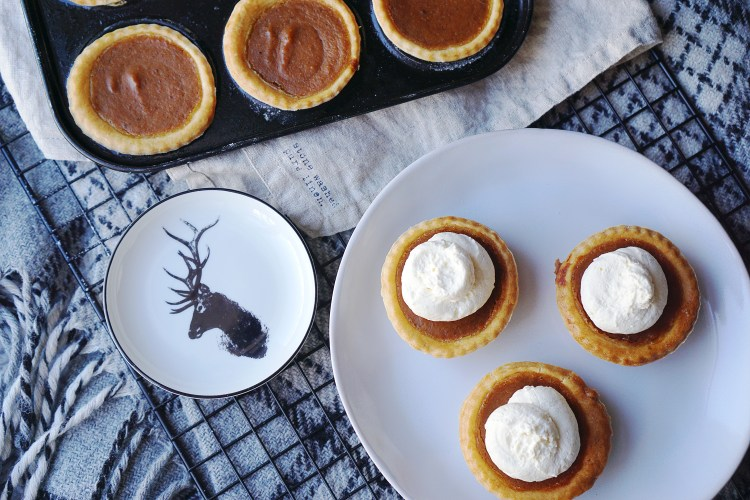 Mini gluten free pumpkin pies made from scratch with hazelnut flavoured whipped cream on top + H&M mini deer plate