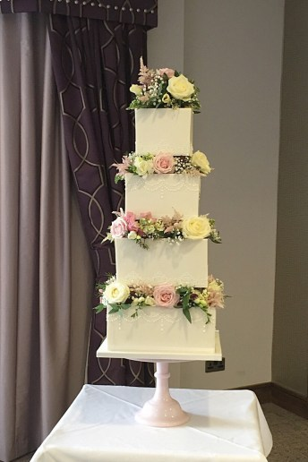 Luxury Wedding Cakes Paisley