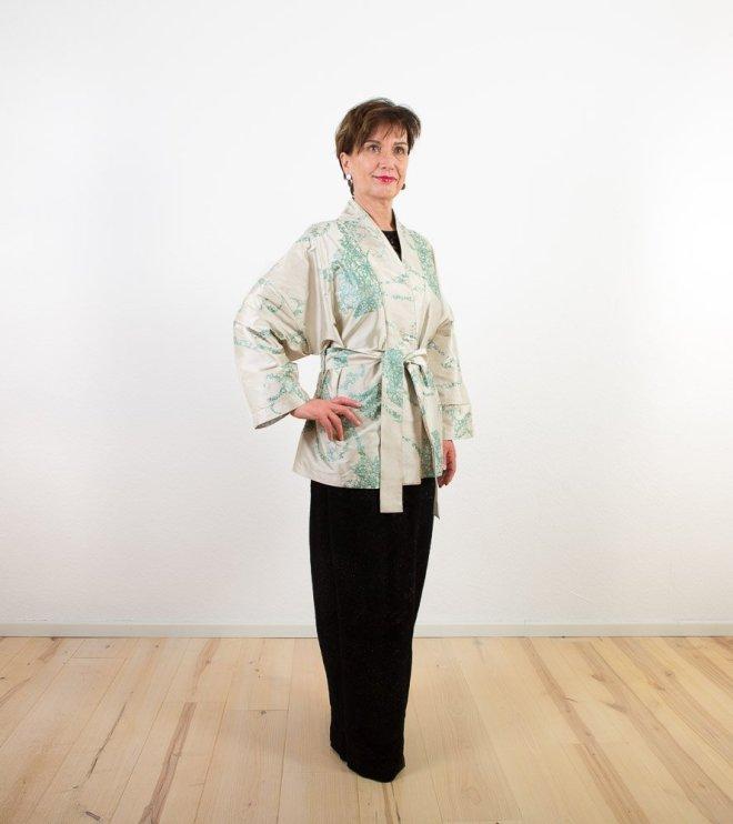 Seiden-Kimono | hüftlang | Credits: KimonoManufaktur